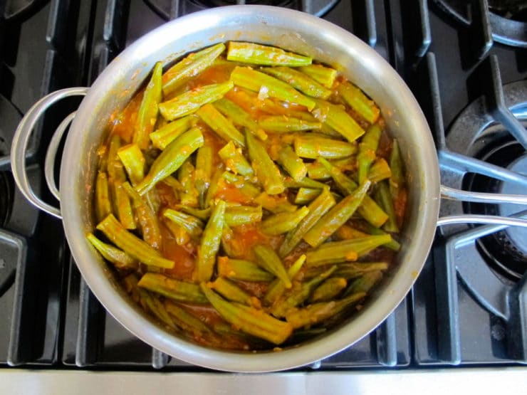 Middle Eastern Okra - Easy and Delicious Recipe for Bamya with Tomato, Onion and Spices by Tori Avey