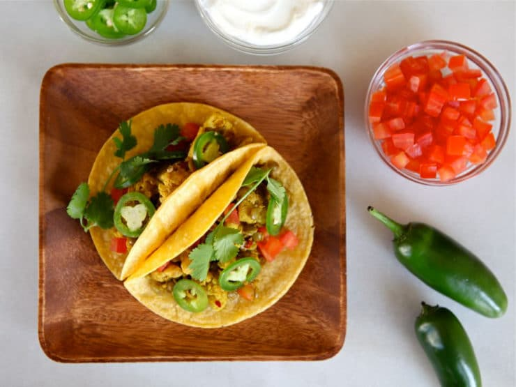 Vegan Lentil Cauliflower Tacos - This savory meatless taco recipe with lentils and cauliflower can be made vegan and gluten free. Healthy vegetarian meal for Cinco de Mayo.