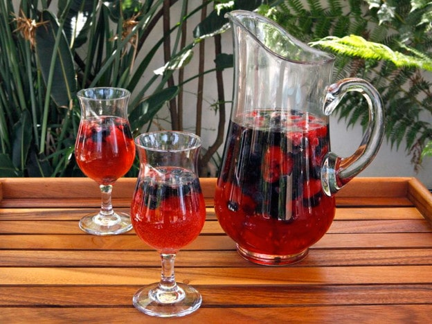 Vanilla Berry Sparkling Sangria - Refreshing Sangria Recipe with Fresh Berries, Rosé and Vanilla Bean on ToriAvey.com