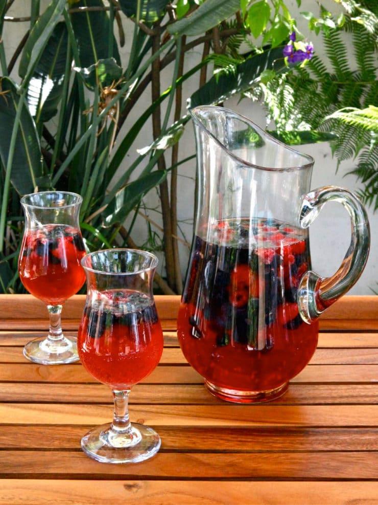 Vanilla berry sparkling sangria recipe with rosé