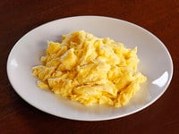 How to Make Fluffy Moist Scrambled Eggs - Recipe tutorial for cooking flavorful and evenly cooked scrambled eggs every time on ToriAvey.com