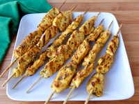 Lemony Marinated Chicken Skewers - Delicious Middle Eastern-inspired marinade with a bright burst of lemon, perfect for grilling. #summer #grilled #recipe
