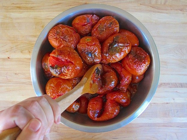 Basic Roasted Tomato Sauce Recipe - Roast your beautiful summer tomatoes into a delicious basic tomato sauce to can and use throughout the year! #canning