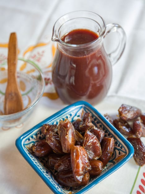 Date Honey Syrup - Recipe for Middle Eastern Silan, Sweet Condiment made of pure dates on ToriAvey.com