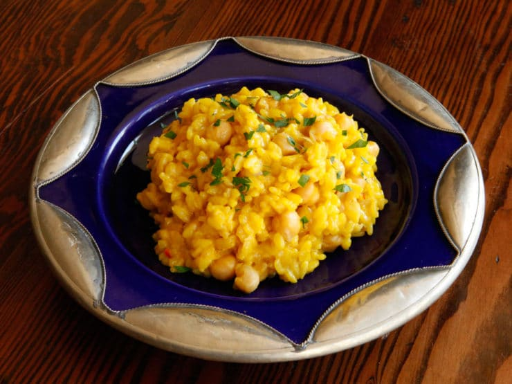 Saffron Chickpea Risotto - Golden creamy saffron-infused vegetarian risotto recipe. Utterly irresistible!