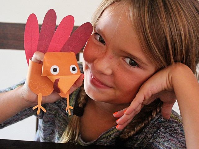 Turkey Puppets - Thanksgiving Craft for Kids