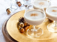 Recipe for Veggnog - Easy Vegan Eggnog with no animal products. Can be made with booze or without. Scrumptious, light and healthy holiday drink with a rich, creamy flavor. #Holidays