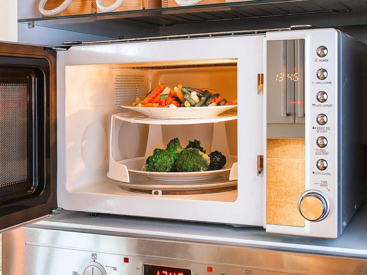 Is Microwaving Food Healthy or Unhealthy? The Surprising News from Harvard Medical School #health #wellness