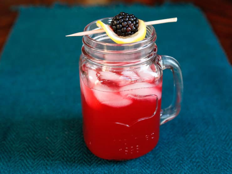 Blackberry Vanilla Bourbon Lemonade - Scandalous as the Whiskey Ring, sweet as a Southern sunset. Easy refreshing cocktail recipe. #drink #beverage #happyhour