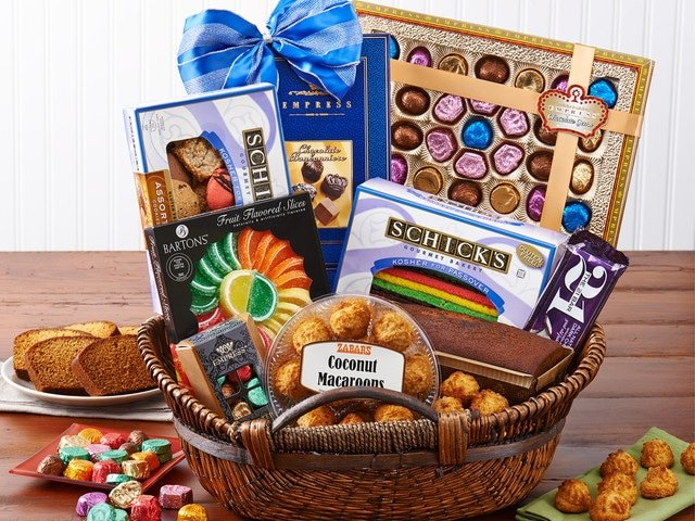 Tori's Friday Favorites: Zabar's Passover Basket Giveaway