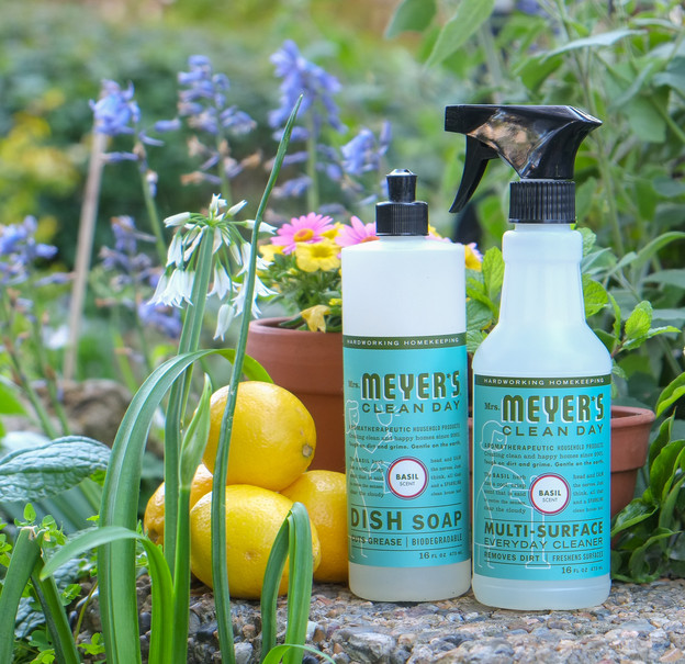 Tori Avey + @ePantry: Free Spring Clean Kit. Mrs. Meyer's Multi-Surface Cleaner, Mrs. Meyer's Dish Soap, $5 Credit & Free Shipping!