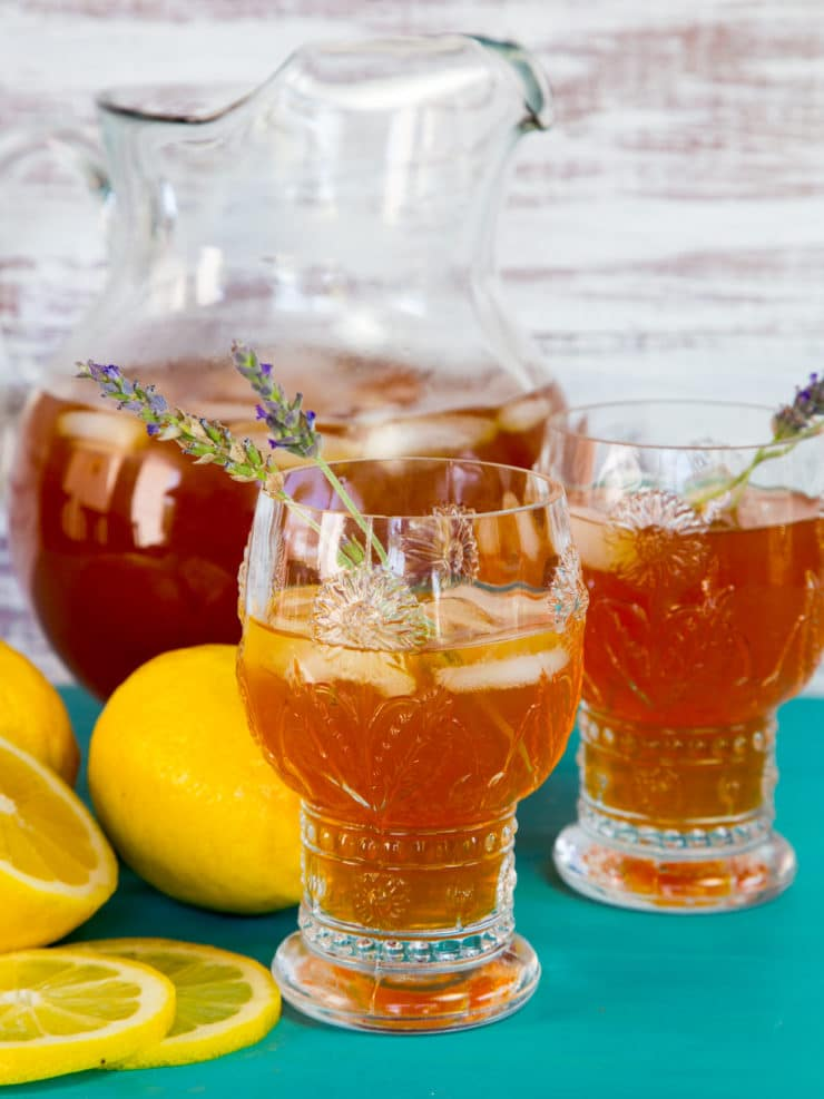 Lemon Lavender Iced Tea - Lightly sweetened black iced tea infused with floral lavender flavor and fresh lemon juice. Crisp and refreshing.