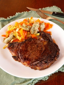Marilyn Monroe Broiled Steak & Artichoke Carrot Salad - Celebrate Marilyn with a meal she would have loved, with recipes featuring some of her very favorite foods.