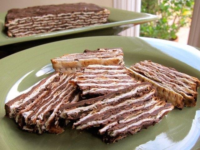 Easy No-Bake Chocolate Matzo Cake - Passover-friendly dessert made with only three ingredients! Layers of matzo, chocolate and sweet kosher wine. Kosher for Passover, Dairy, Pareve.