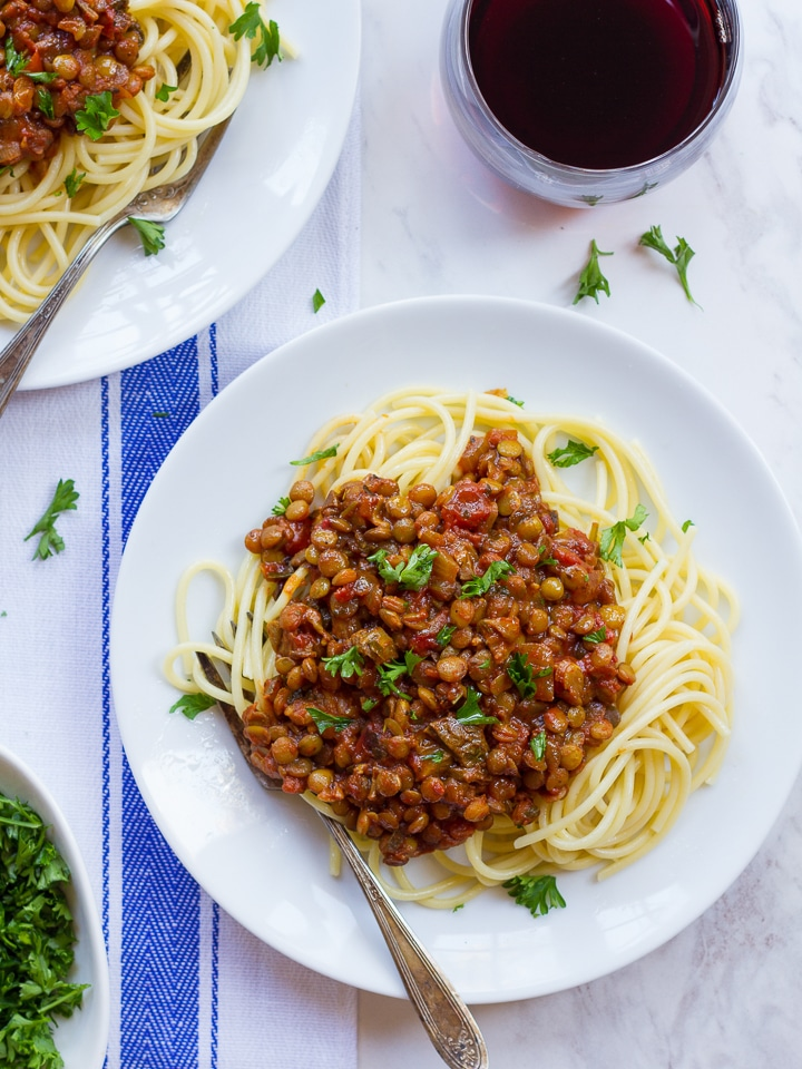 "Vegan Lentil Bolognese sauce - ""Faux""-lognese recipe for flavorful, healthy meatless pasta sauce with lentils, mushrooms, fire-roasted tomatoes and spices on ToriAvey.com"