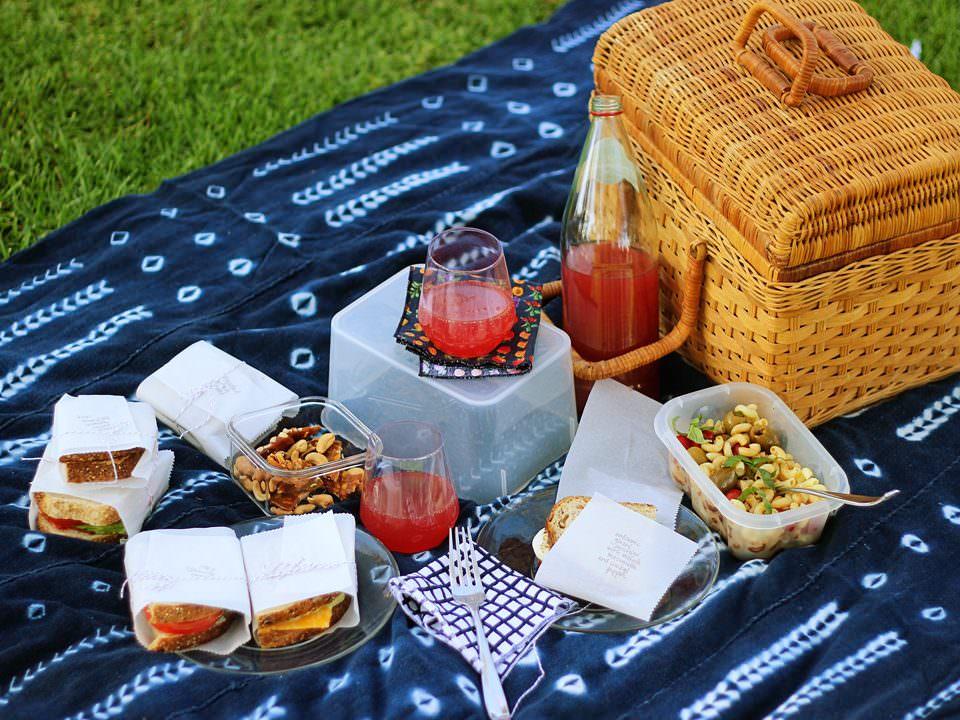 Romantic Summer Picnic Date from ToriAvey.com contributor Brenda Ponnay