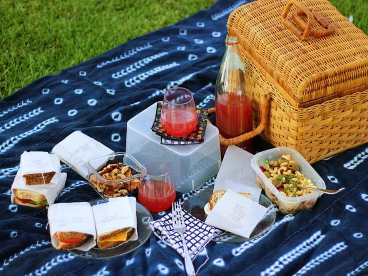 25 Romantic Little Foods to Bring on a Picnic Date. With spring in full bloom and summer on the horizon, picnics are popping up all over the place. Get in on the fun — grab a date or a few friends and make an afternoon of fine food and good times. When filling up the picnic basket, throw away the usual go-to sandwich idea and create a menu full.