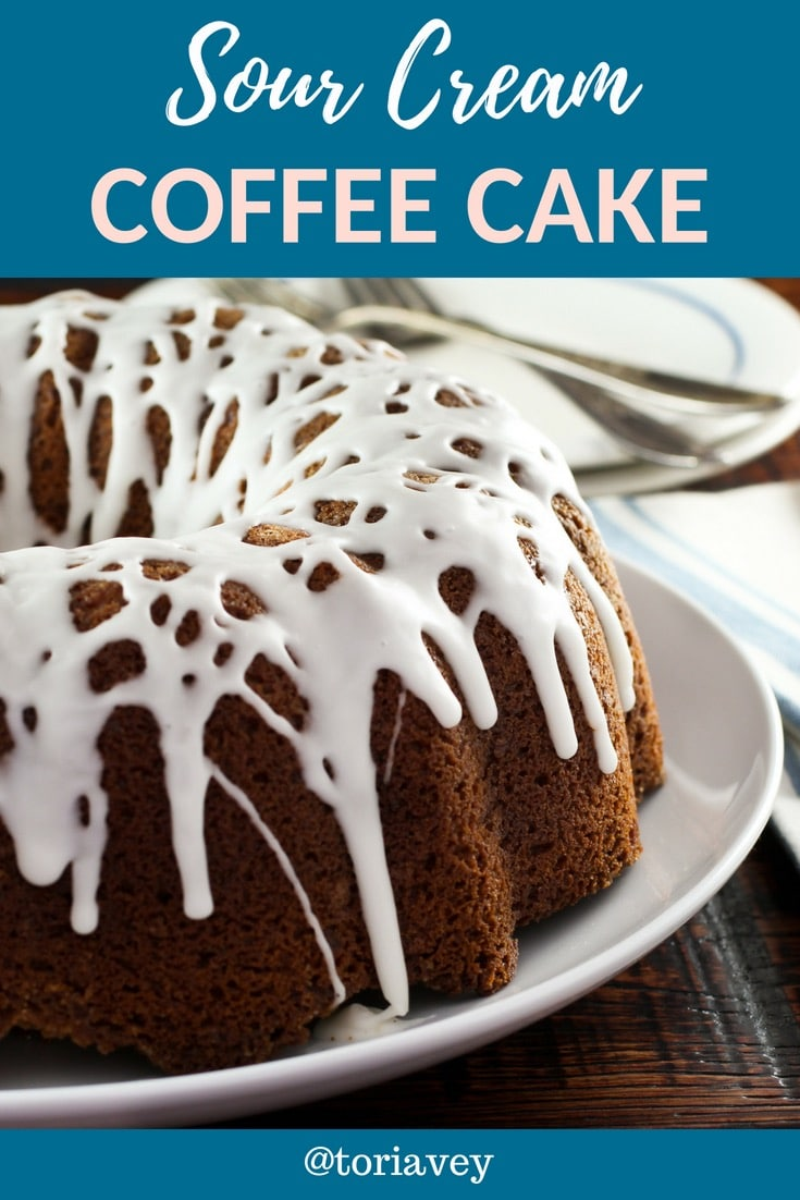 American Cakes: Sour Cream Coffeecake - The history of sour cream coffee cake and a traditional recipe for this beloved coffee-time treat from food historian Gil Marks. | ToriAvey.com #baking #cake #coffeecake #dessert #brunch #TorisKitchen